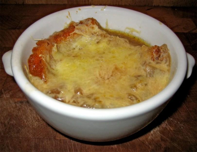 Onion Soup - Zuppa di Cipolle - onlinerecipe.website