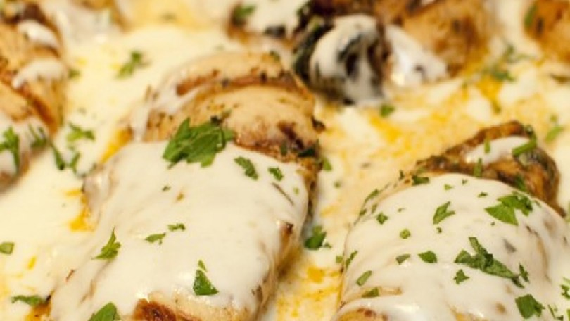 Chicken Breasts with Chive Creamy Sauce