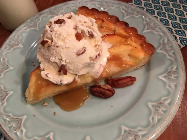 French Apple tart with shortbread cookie crust