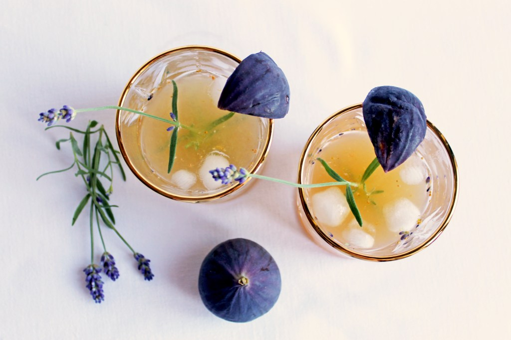 Lavendel Feigen Spritz-Vogelperspektive-recipettes.com