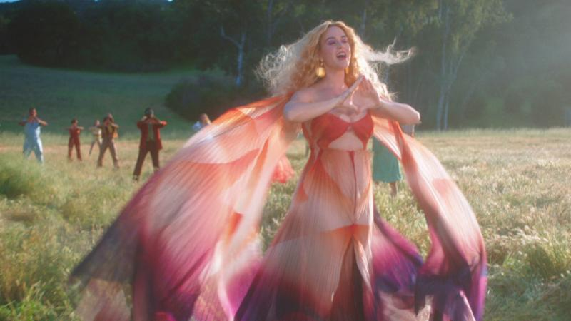 """KATY PERRY // """"NEVER REALLY OVER"""" – SINGLE REVIEW"""