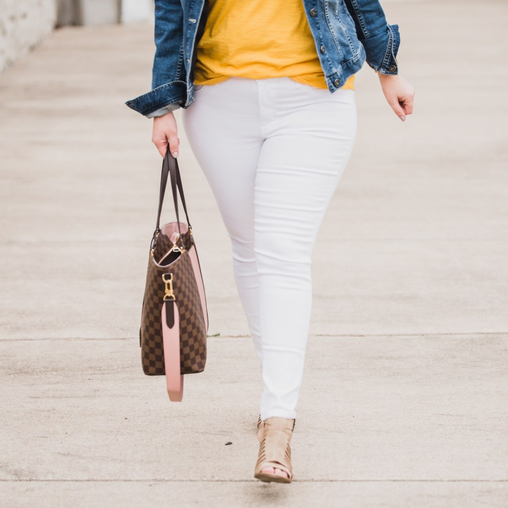 These jeggings fit mamas with curves the best.