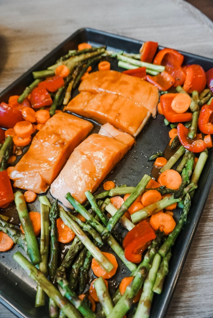 Fast, Easy and Healthy Dinners for busy families. Sheet Pan Dinner by Wildtree fresh ingredients and product sent from PreSlicely.