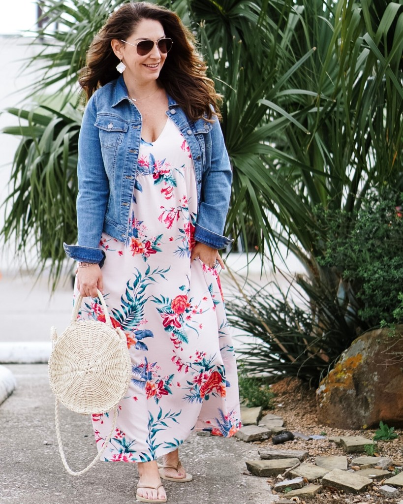 Spring Dresses 2019: Great light pink maxi dress with floral pattern