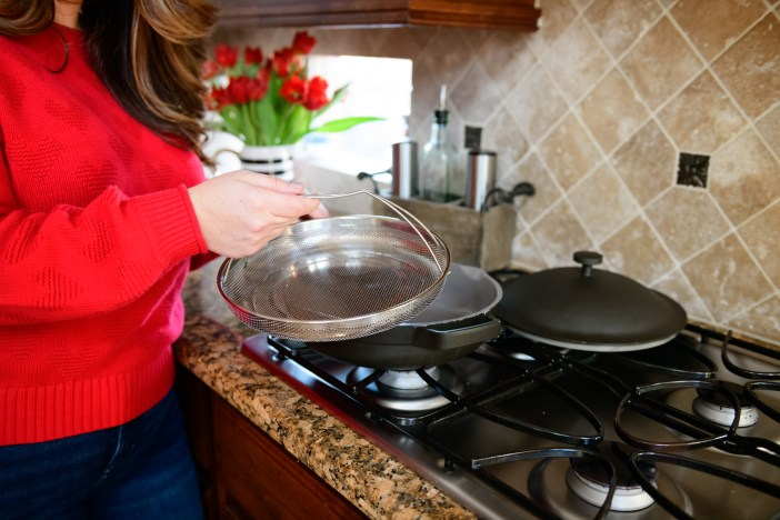 I tried the cult favorite Always Pan, a slick and trendy frying pan that claims it can replace 8 kitchen tools and regularly sells out. So is it worth the hype? #cookware #kitchenessentials #kitchenmusthave