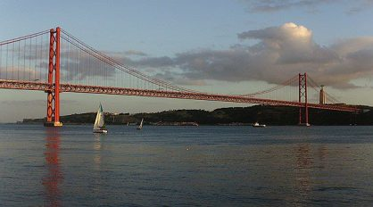 Bridge 25 April