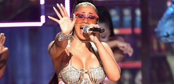 "Cardi B turns BET stage into Bronx Bodega for her""Bodak Yellow""performance"