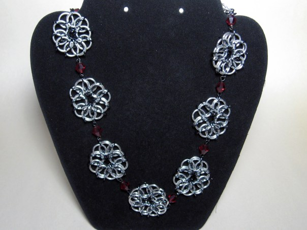 necklace_roses_black