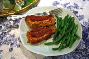 Turkey-Veggie Meatloaf & Green Beans