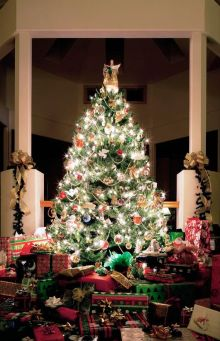 christmas-tree-presents-1