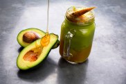 02-fruit-smoothies-mango-avocado