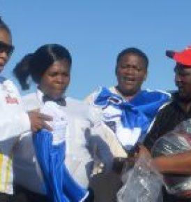 Kit for Komani boxers, with from left, MEC Pemmy Majodina, referee Victoria Stemela, Khaya Mdlebe and Mabhuti Mapeyi  Picture: ABONGILE SOLUNDWANA