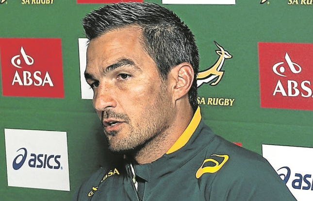 World champions Blitzboks stutter into London quarters