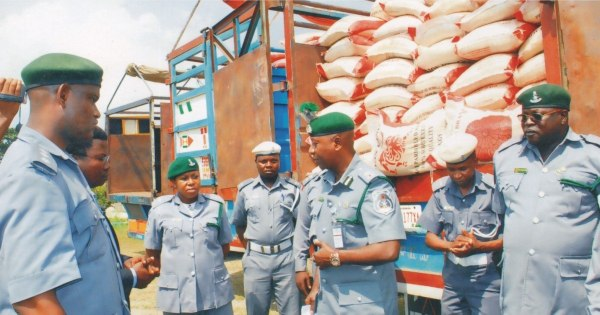 Nigeria-customs-officers