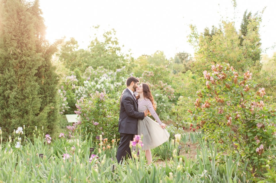 Spring engagement session at the Denver Botanical Gardens by Colorado wedding photographer Theresa Bridget Photography. Grey tool skirt engagement session outfit.