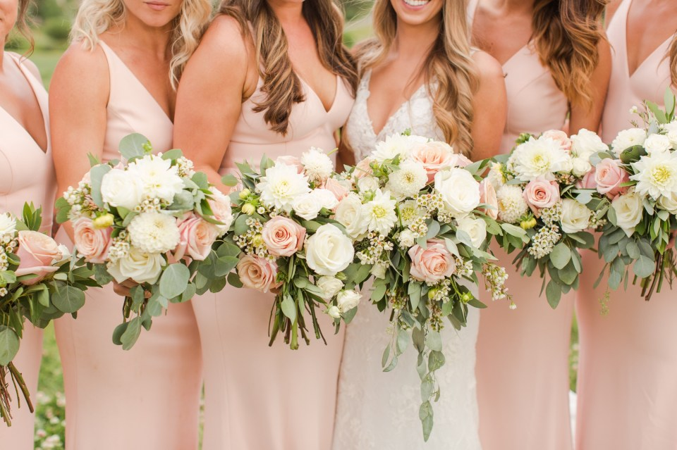 Blush and white flowers for a summer wedding at Copper mountain.