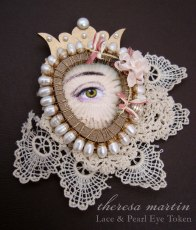 Lace and Pearl Secret Lover's Eye Token