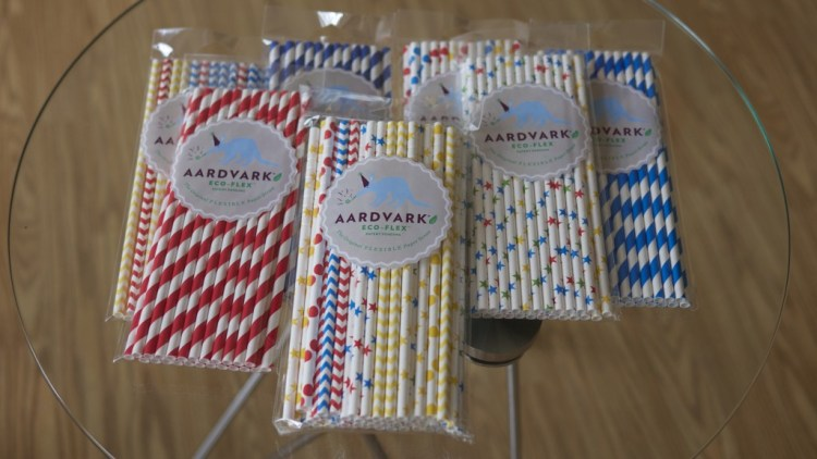 Fourth of July Party Planning - Theresa's Reviews - www.theresasreviews.com - Aardvark Straws