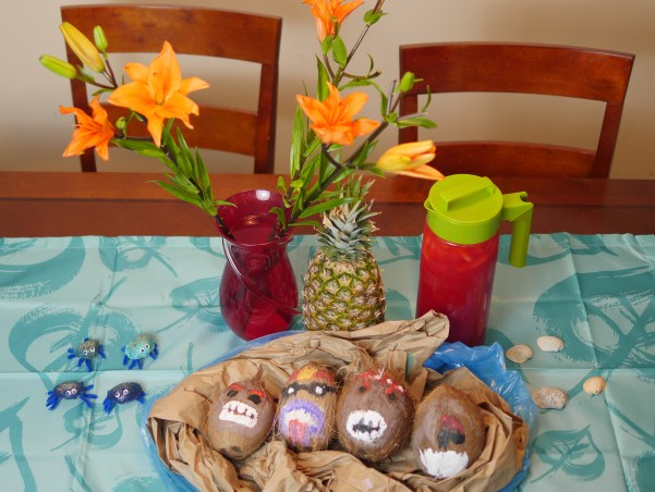 Set up all the Moana party crafts on your food table. The tropical centerpieces add to the ambiance of your party.