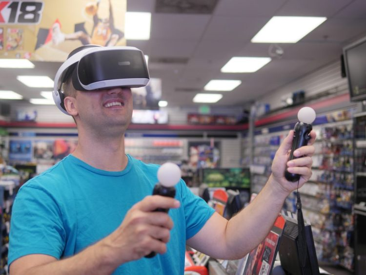 PlayStation VR and PlayStation Move Motion Controller