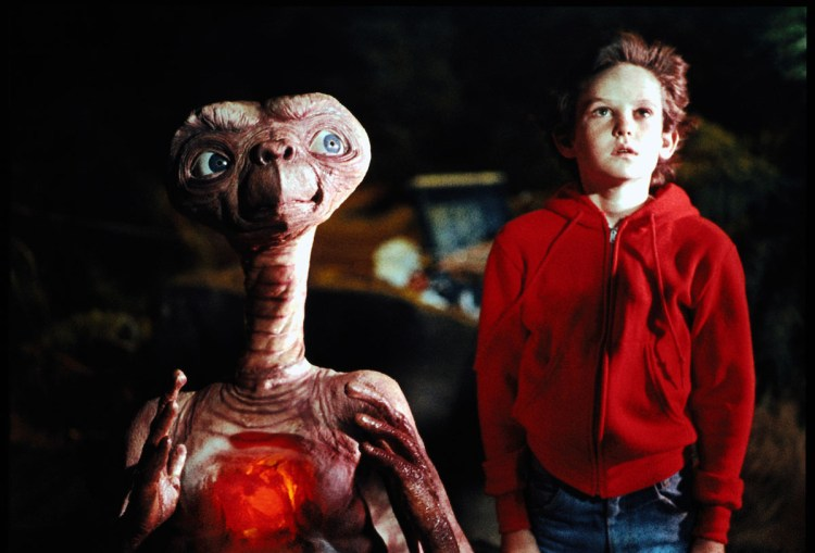 E.T. The Extra-Terrestrial 35th Anniversary Edition 4K Ultra HD + Blu-Ray Review - Theresa's Reviews