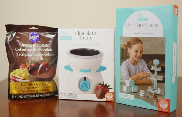 With the Chocolate Studio and Chocolate Shoppe, children can make and design their own chocolate creations! - Theresa's Reviews 2017 Christmas Gift Guide For Children