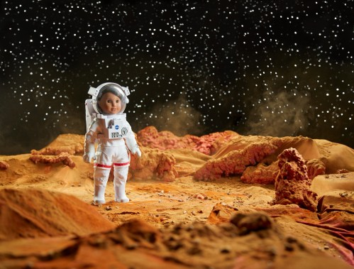 Theresa's Reviews - American Girl of the Year 2018 Luciana Vega is an aspiring astronaut who dreams of going to Mars.