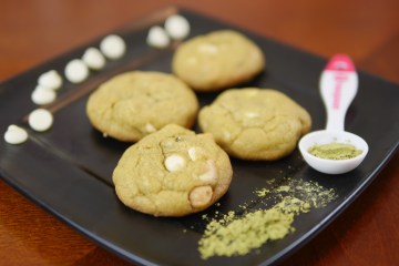 White Chocolate Chip Macadamia Nut Matcha Cookies - Theresa's Reviews