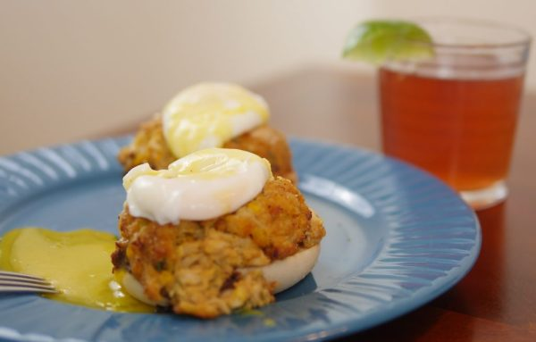 3 Tips For Your Easter Sunday Brunch - Crab Cakes Benedict - Theresa's Reviews