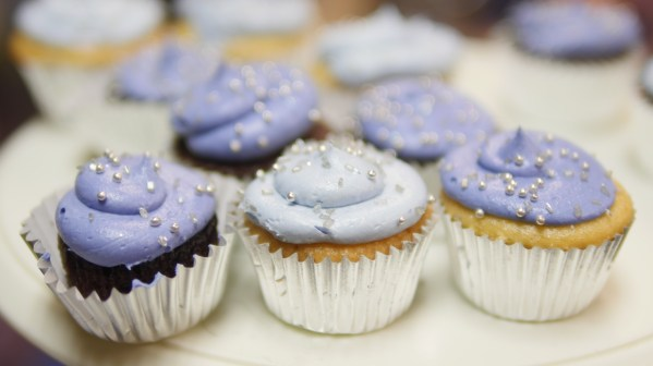Daddy, A Daughter's First Love - Denim & Diamond cupcakes - Theresa's Reviews