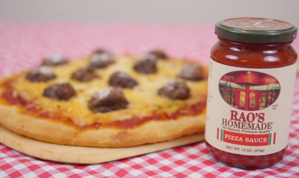 Simple Meatball Pizza with Rao's Homemade Pizza Sauce #DeliciousSpeaksForItself - Theresa's Reviews #RaosHomemade #CollectiveBias