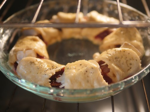 Bacon Brie Crescent Wreath Recipe - Theresa's Reviews