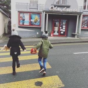 cinéma thérèse and the kids ballerina
