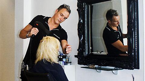 Besos Hairdressers Fuengirola