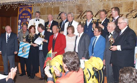 Dr. Volker Bernhardt with Nation Cup winners and sponsors