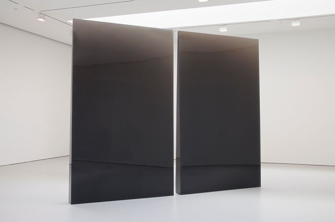 De Wain Valentine,Double Column Gray, 1975-1976