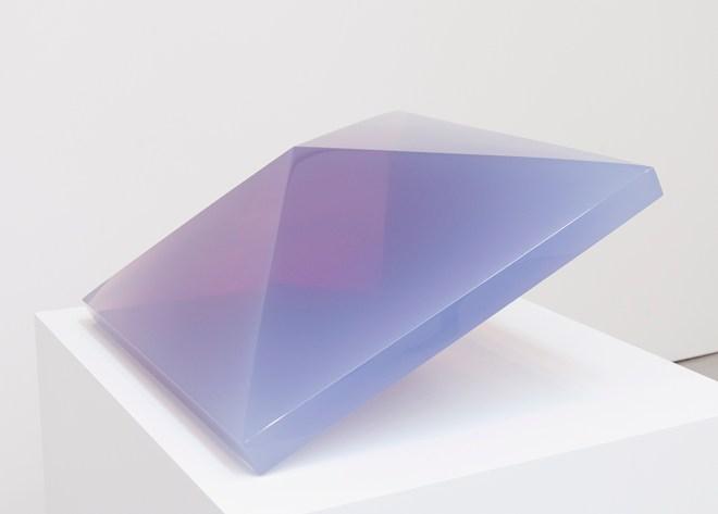 De Wain Valentine, Double Pyramid Rose-Violet, 1968