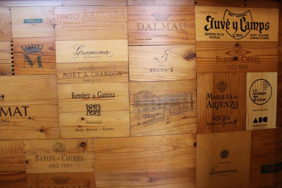 Wine homage