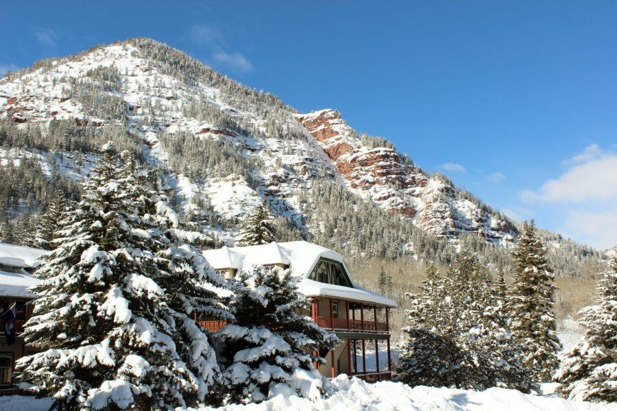 Redstone Inn against the mountain
