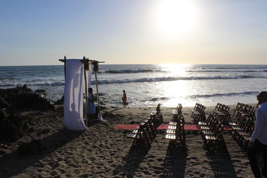 Nica wedding on the beach