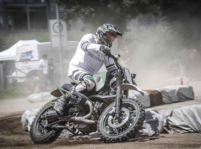 Elf Dirt Race