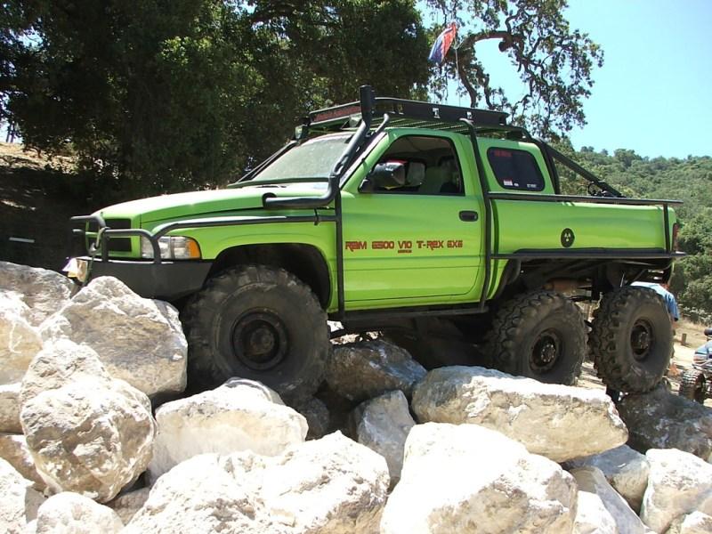 Dodge Ram T-Rex 6×6