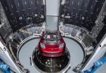tesla-roadster-on-payload