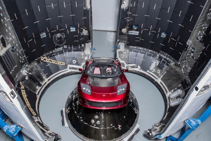 tesla-roadster-on-payload