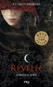 https://www.pocketjeunesse.fr/livres/collection-13-ans-et-plus/11_la_maison_de_la_nuit_revelee-9782266274647/