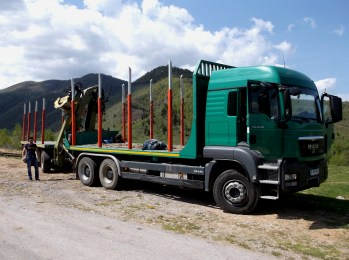 Loggertruck, Retezat national park, Romania