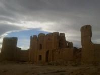 Mudbrick ruines, Aqda