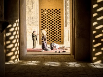Prayer, Esfahan (picture by PB)