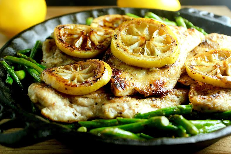 Pinch of Yum's Lemon Chicken with Asparagus