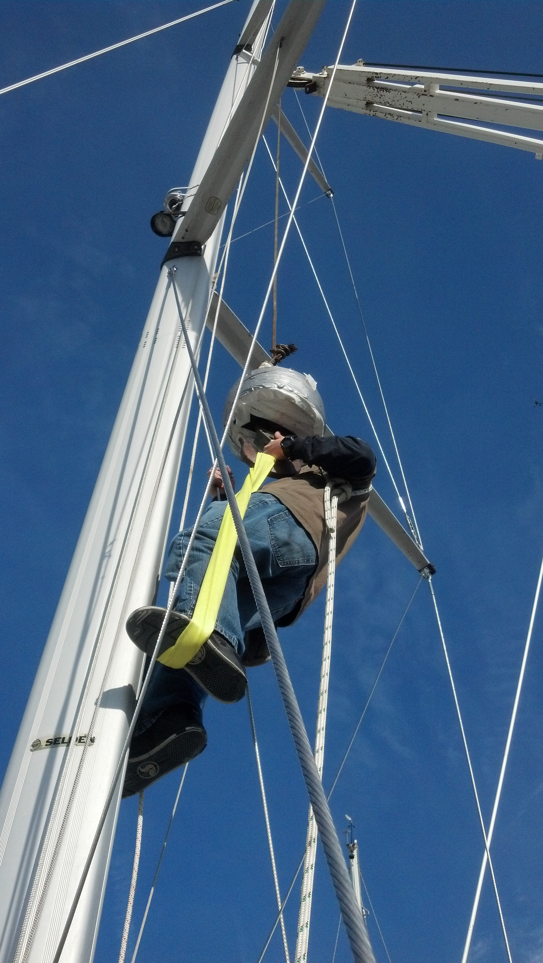 Un-stepping the Mast – The Rigging Company